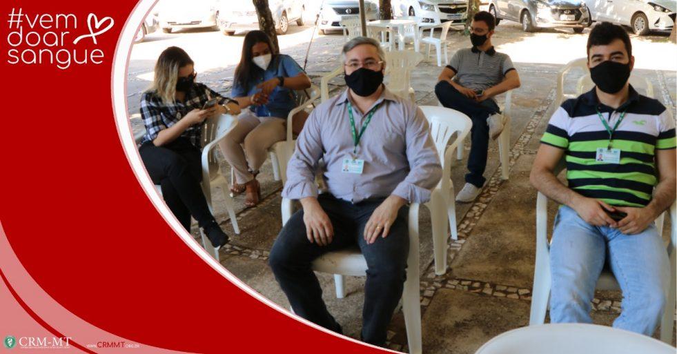 Médicos, conselheiros e funcionários do CRM-MT participam de mutirão de doação de sangue